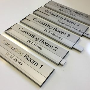 Aluminium interchangeable door sign